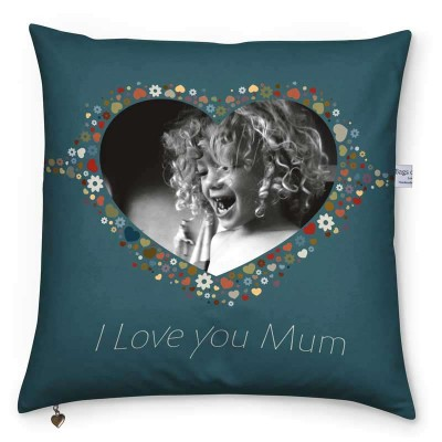 "Cushion with child picture saying ""I love you mum"""
