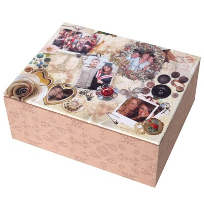 Beige jewellery box with pattern on the bottom and a scrapbook cover
