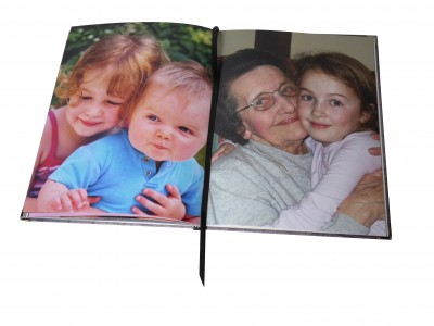Photo Book Christmas Delivery book with grandma and grandchildren