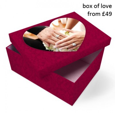 pink-box-wedding-picture