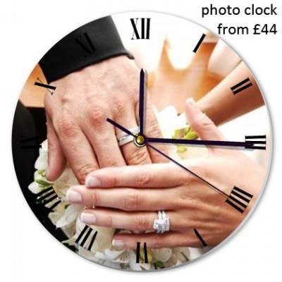 round-clock-wedding-picture