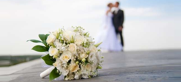 wedding-flower-bouquet-bride-groom