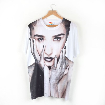 demi-lovatto-all-over-printed-t-shirt