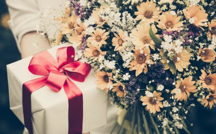 Wedding Etiquette UK: The Dos and Do nots of Wedding Gifts & Lists