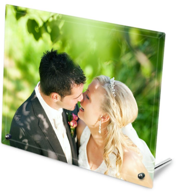wedding etiquette UK photo frame gift