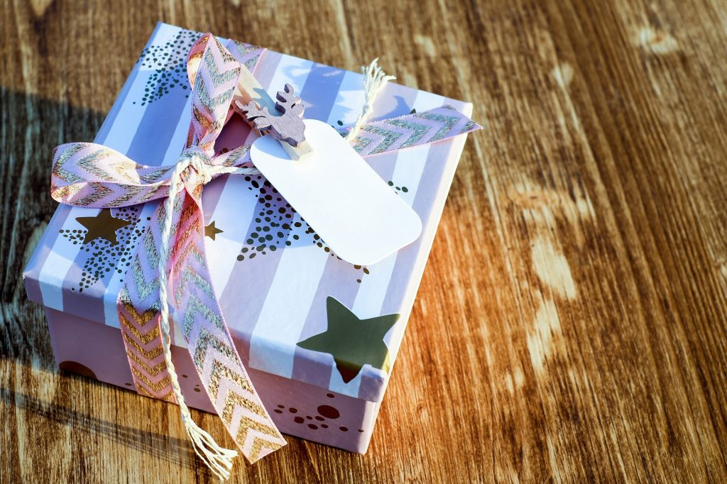 what to write on a christmas gift tag