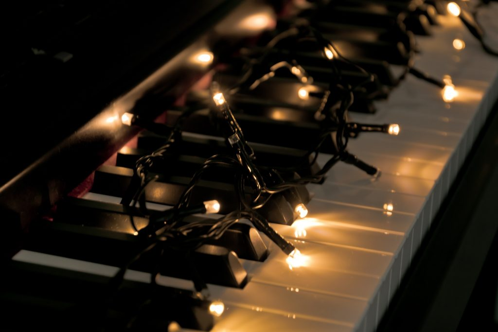 what to write on a christmas gift around the world piano song